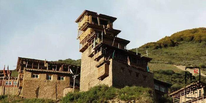 夯土墙碉房