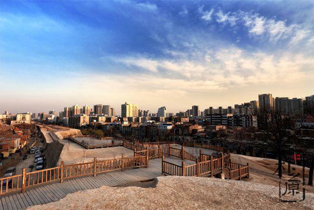 夯土墙文化随笔:这里是郑州,为啥有个郑州足球小镇?(二)