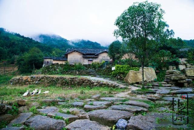 夯土墙村落