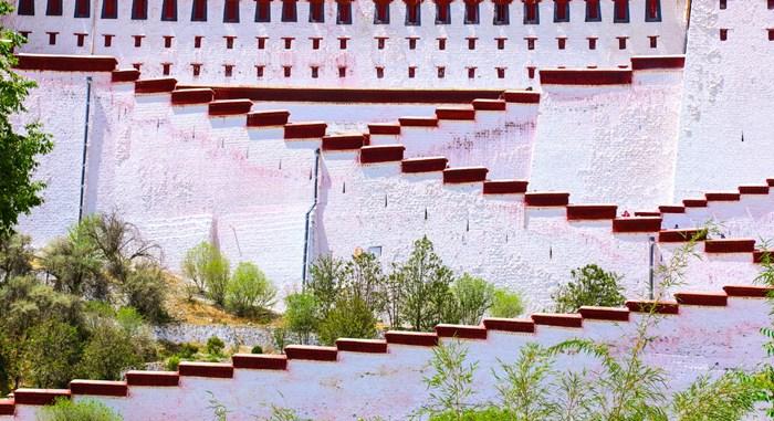 布达拉宫墙体