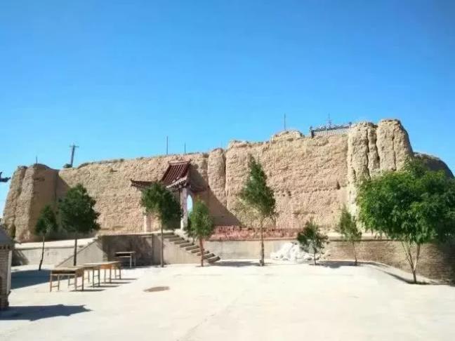 夯土墙图片